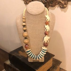 Jewelry - Vintage wooden necklace